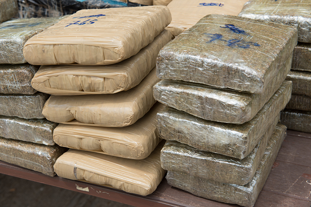 Phoenix man arrested for smuggling over a ton marijuana